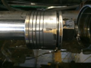 This is NOT what the piston inside a hydraulic cylinder is supposed to look like.